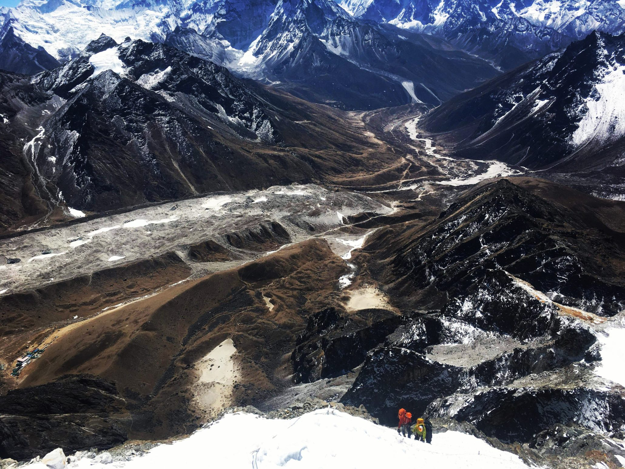summit view of himalayan mountains