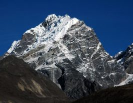 LOBUCHE EAST PEAK