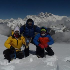 a group of Certified Mountain Guides posing a picture on the Himalayan Mountains