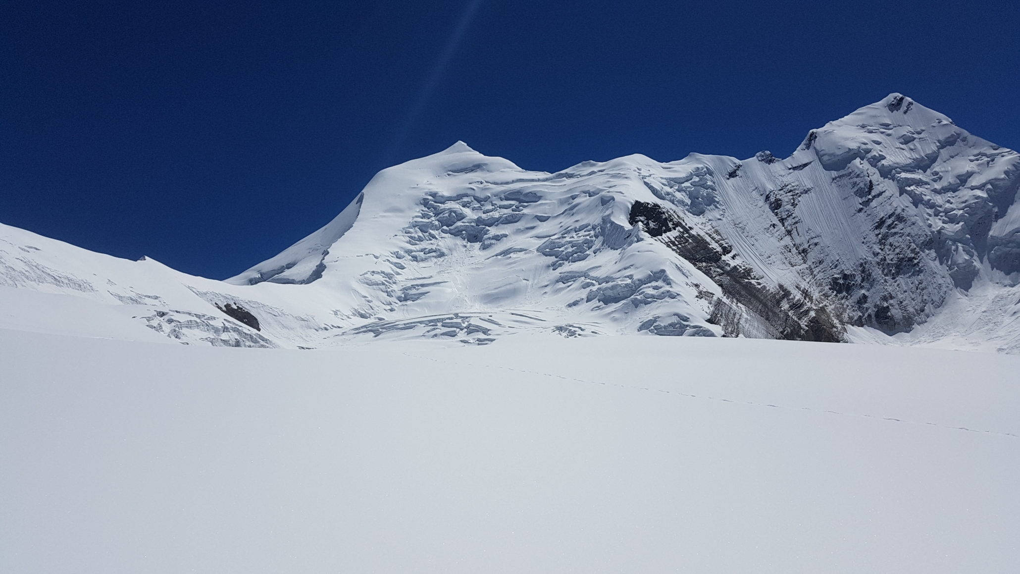 a picture of a himalayas mountain covered with snow